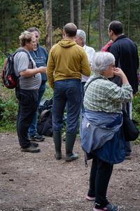 <p>  Terenske akcije so tudi odlična priložnost za izmenjavo mnenj, izkušenj in druženje.<br>  <br>  foto: Luka Šparl </p>