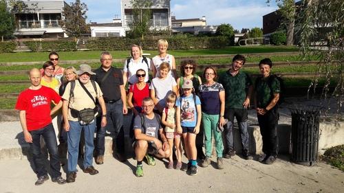 <p>  Vodenje članov Društva za ohranjanje naravne dediščine Slovenije; Foto: Mateja Poljanšek (DONDES) </p>