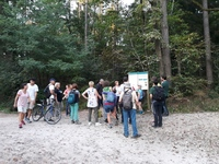 <p>  Vodenje članov Društva za ohranjanje naravne dediščine Slovenije; Foto: Mateja Nose Marolt (Arhiv KP TRŠh) </p>